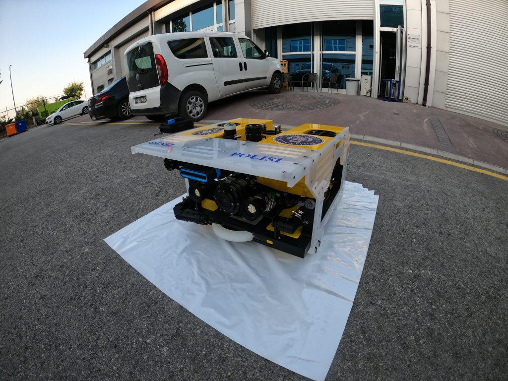 Hoytek ROV with Blueprint Lab's robotic manipulator and underwater actuator - perfect SAR solution